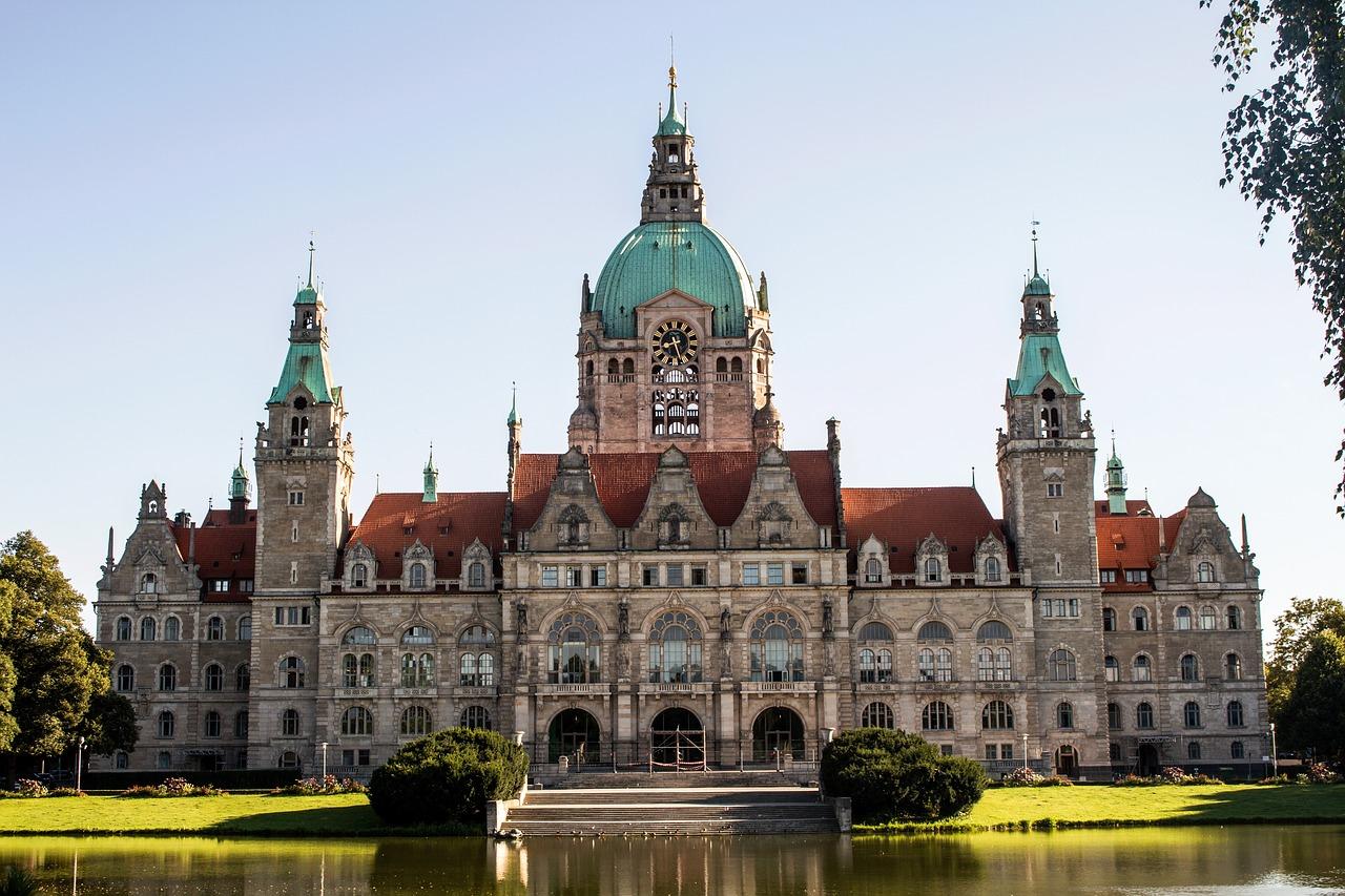 Busy do Niemiec, Ratusz w Hanowerze